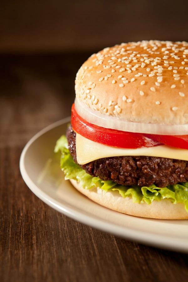 Irlanda atribuye a España la carne de caballo presente en hamburguesas de vaca