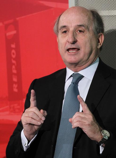 El presidente de Repsol, Antonio Brufau, en la rueda de prensa un día después de que Argentina anunciara la nacionalización de YPF.