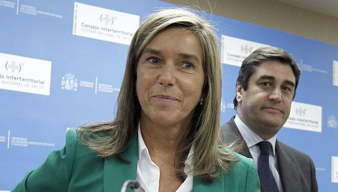 La titular de Sanidad, Ana Mato, anuncia la reforma en el pago de los fármacos