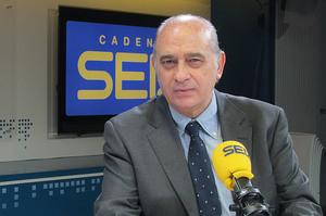 Jorge Fernández Díaz, ministro del Interior, en los estudios de 'Hoy por Hoy'