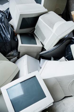 La tasa de reciclaje en España es de tres kilos por habitante y año, parecida a la de Polonia, Lituania, Portugal, Estonia, Grecia y Eslovaquia.