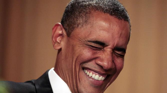 Obama se ríe de sí mismo en la cena de corresponsales de la Casa Blanca