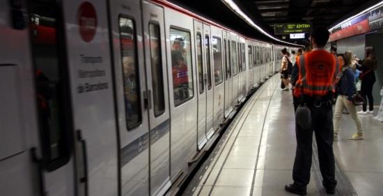 L'andana de l'estació de metro de Marina