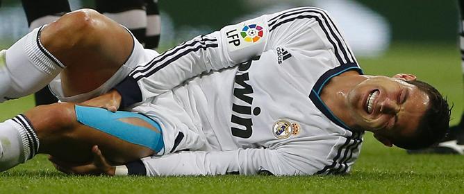 El futbolista, en una acción del partido a cuyo término ha declarado que está triste