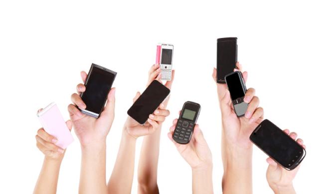 Los dispositivos móviles se han convertido en el caballo de Troya por el control del negocio de la movilidad