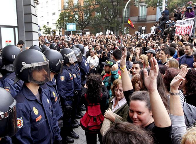 Cifuentes propone ''modular'' la ley para ''racionalizar'' el derecho de manifestación