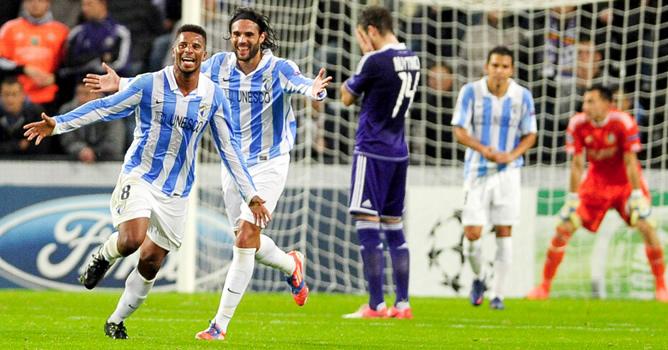 El portugués hace dos tantos en la goleada del Málaga en casa del Anderlecht