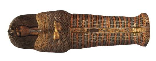 FOTOGALERIA: Esta es la tapa de ataúd atribuido a Akhenatón descubierto en la KV 55 en enero de 1907 por Theodore Davis. La máscara fue arrancada por los ladrones de tumbas en la Antigüedad
