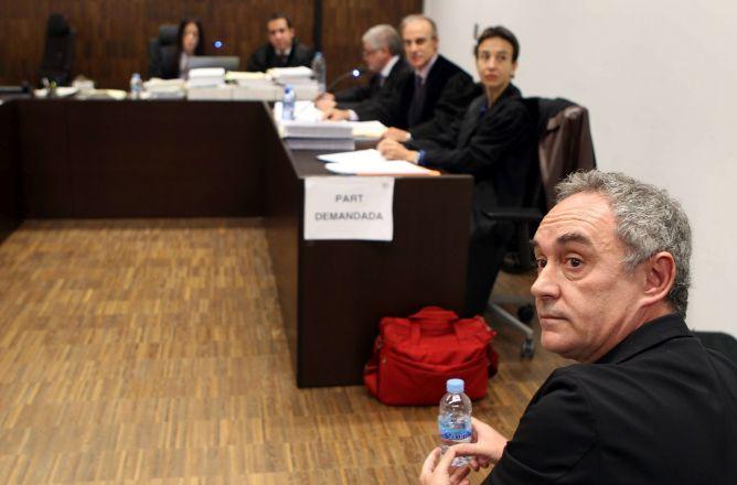 El chef Ferran Adrià, en el juzgado de primera instancia 2 de la Ciudad de la Justicia