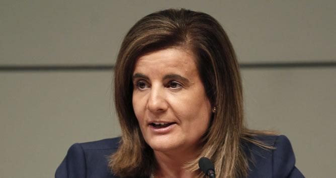La ministra de Empleo, Fátima Báñez, durante la presentación del número 100 de la revista del Ministerio