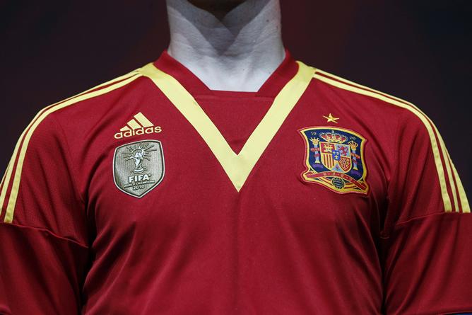 En un homenaje a la edición de 1924, España vestirá con una V dorada en el cuello en la próxima Copa Confederaciones