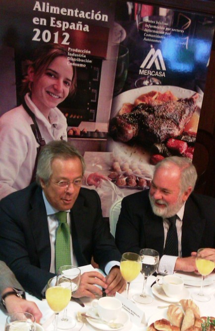 El ministro Arias Cañete, en la presentación del informe 'Alimentación en España 2012'.