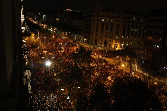 Aspecte de la manifestació amb motiu de la vaga general del 14-N