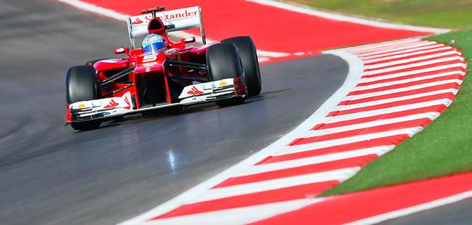El piloto español de Fórmula 1 Fernando Alonso (Ferrari) durante el GP de Austin (Texas) en EEUU, en el que quedó en tercera posición por detrás de Hamilton y Vettel