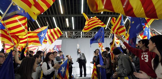El presidente de la Generalitat durante el mitin celebrado este domingo en Barcelona. REUTERS/Albert Gea