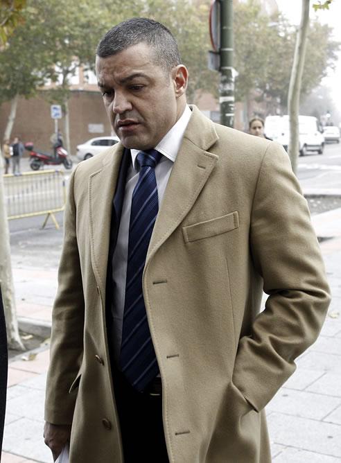El empresario Miguel Ángel Flores, gerente de la empresa Diviertt, organizadora de la fiesta de Halloween en el Madrid Arena en la que murieron cuatro jóvenes en el Madrid Arena, llega a los juzgados de la Plaza de Castilla