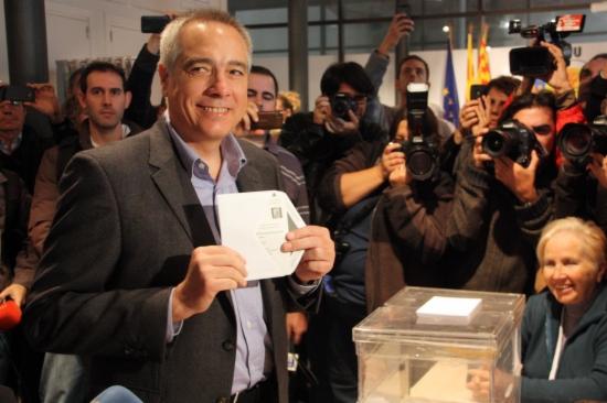 Vota el candidat del PSC, Pere Navarro