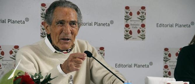 El escritor Antonio Gala, durante la presentación de su último libro, 'Quintaesencia'