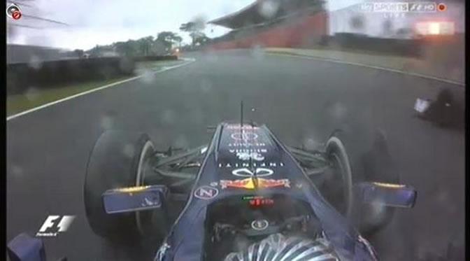 Momento en el que Vettel adelanta a Vergne con bandera amarilla en pista