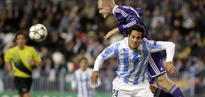 El Málaga deja escapar el triunfo ante el Anderlecht en el minuto 89