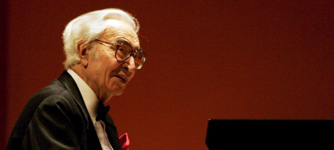 El legendario pianista de jazz Dave Brubeck durante una actuación en 2005
