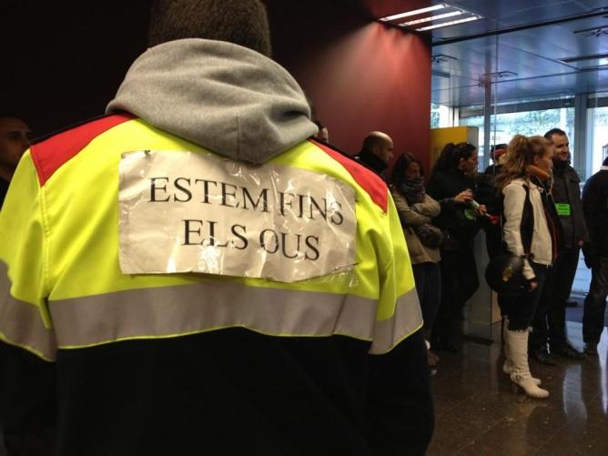 Els Mossos protesten al Departament d'Interior per la manca de recursos i les retallades salarials