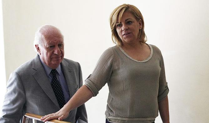 La vicesecretaria general del Partido Socialista Obrero Español (PSOE), Elena Valenciano, ha visitado la Fundación Democracia y Desarrollo que preside el expresidente socialista Ricardo Lagos