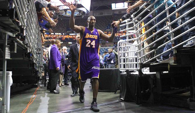 Kobe Bryant hace historia al ser el jugador más joven en alcanzar los 30.000 puntos en la NBA