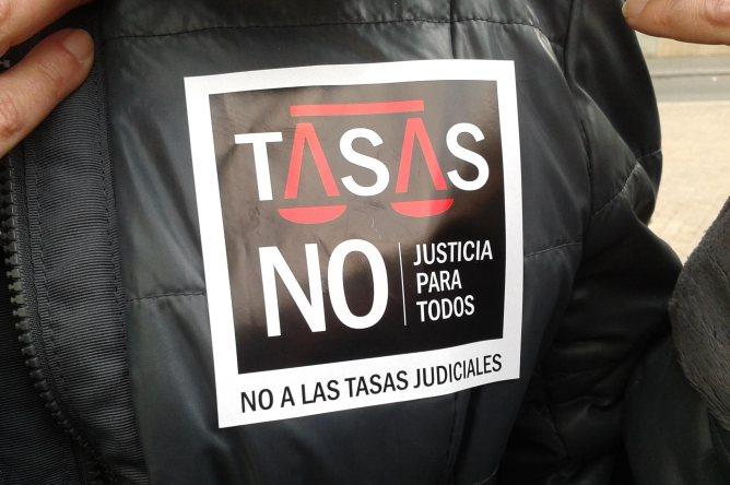 Una imatge de la protesta de jutges, advocats i funcionaris als jutjats de Lleida