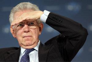 Monti anunció el pasado sábado el fin anticipado de la legislatura después de que Berlusconi presentase su candidatura a las próximas elecciones.