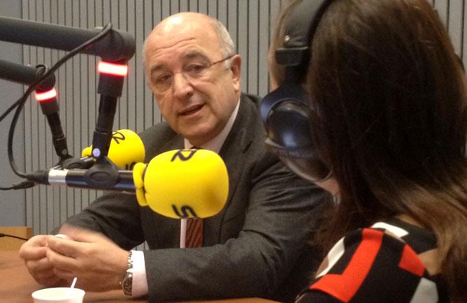Pepa Bueno entrevista, en un 'Hoy por Hoy' especial desde Bruselas, al vicepresidente de la Comisión Europea y comisario de la Competencia, Joaquín Almunia