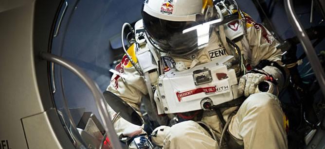 La hazaña de Baumgartner contó con el apoyo de Red Bull, pero también con el de la relojera Zenith