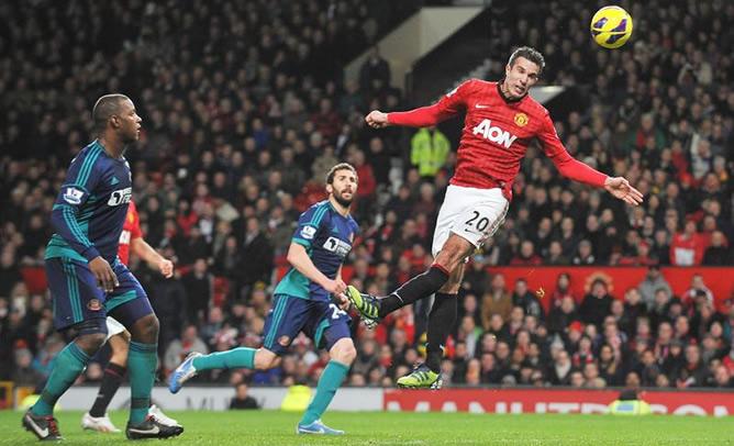 El delantero del United Robin van Persie, durante el encuentro ante el Sunderland en el que su equipo se ha impuesto por 3-1 con un tanto suyo.