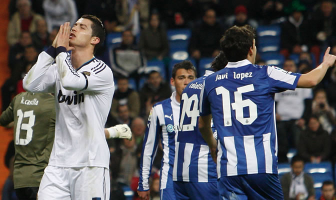 Cristiano Ronaldo se lamenta de una ocasión fallada ante el Espanyol