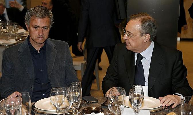 Mourinho, junto a Florentino en la tradicional comida de Navidad del Real Madrid