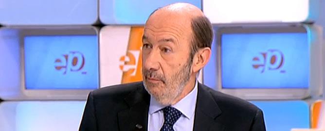 """El líder del PSOE responde a Rajoy, que dijo que el Gobierno no va a """"cargar con las culpas de nadie"""" ni a """"pagar platos rotos de otros"""""""