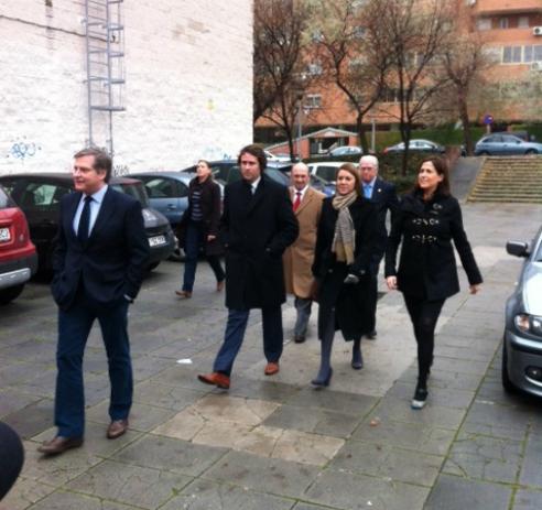 María Dolores de Cospedal, secretaria general del PP y presidenta de Castilla la Mancha, a punto de entrar en los juzgados de Coslada