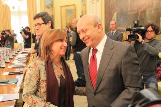 La secretària general d'Ensenyament, Maria Jesús Mier, i el ministre Wert a la sectorial d'Educació