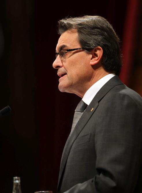 El líder de CiU, Artur Mas, interviene en el Parlament durante el debate de investidura.