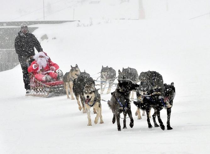 Papa Noel se ha dejado ver ya por algunas de las pistas de esquí españolas