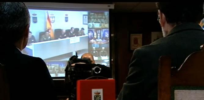 El presidente del Gobierno, Mariano Rajoy, ha felicitado la Navidad por videoconferencia este lunes, día de Nochebuena, a las unidades españolas de las Fuerzas Armadas desplegadas en misiones humanitarias y de paz