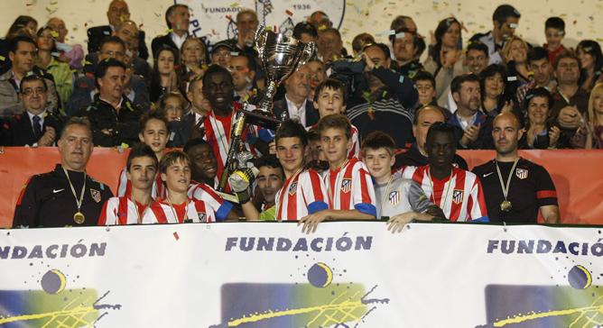 El Atlético de Madrid revalida el torneo alevín