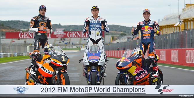 Los campeones del Mundial de Motociclismo 2012. Marc Márquez en Moto 2, Jorge Lorenzo en moto GP y Sandro Cortese en Moto 3.