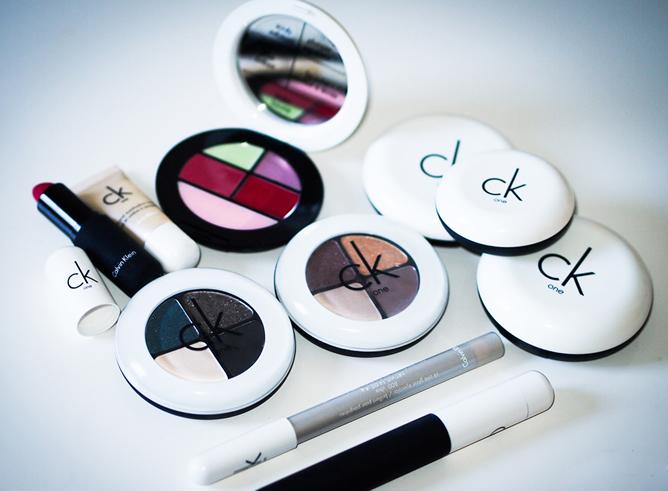 Consigue un look natural que defina tu personalidad más auténtica con CK One Color