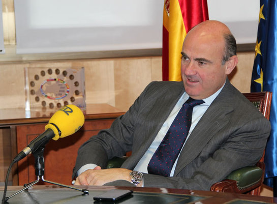 FOTOGALERIA: El ministro Economía, Luis de Guindos,  en la SER