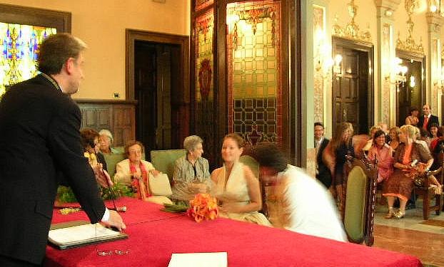 Imagen de una boda civil en el Ayuntamiento de Lleida