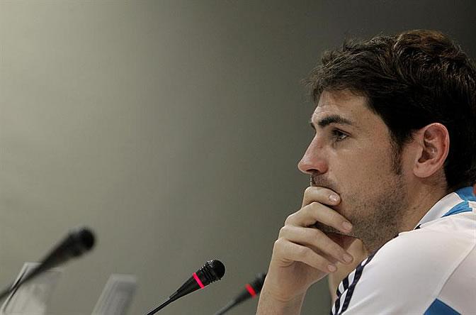 Casillas comparece ante los medios