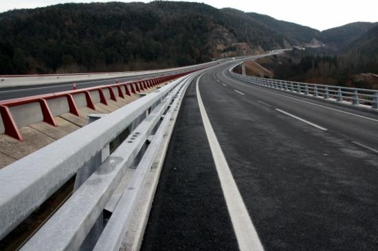 Imatge de la C-25 al seu pas pel viaducte de Sant Sadurní d'Osormort