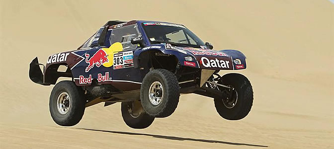 Carlos Sainz conduce su vehículo Buggy