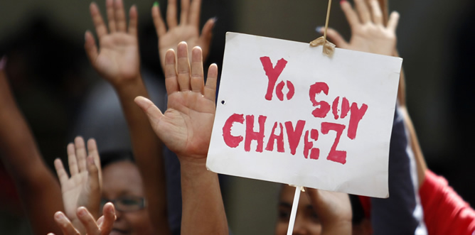 Continúa el cruce de acusaciones entre el Gobierno y la oposición en Venezuela, mientras que la Academia de Medicina de Venezuela se ofrece para realizar un examen médico a Chávez que aclare su estado.